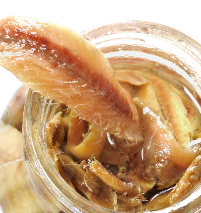 Pesce sott'olio: la migliore conservazione per alici, polpi e seppioline